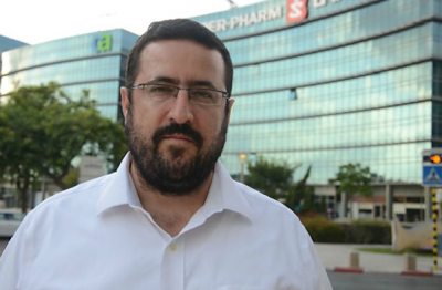 Moshe Friedman in Hertzliya